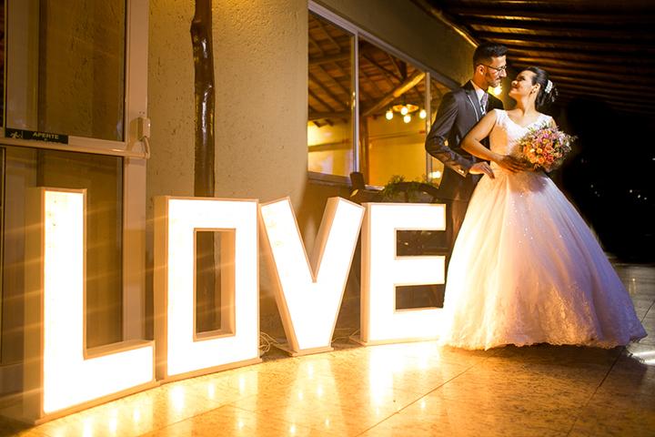 CAPA-fotografo-de-casamentos-em-jundiai-leonardo-laprano-fotografia-lea-e-eliseu-igreja-assembleia-de-deus-caxambu-festa-chacara-paraiso-jundiai-1